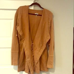 Camel-colored Sweater/coat